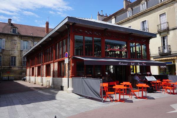 V okolí tržnice Les Halles v Dijone nájdete ďalšie reštaurácie