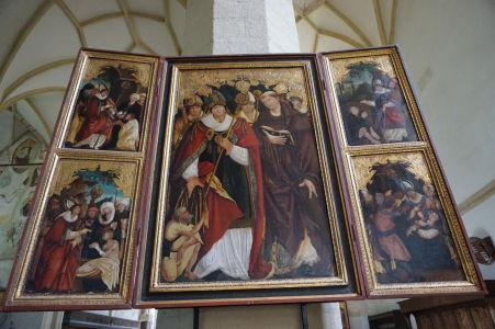 V Kostole na kopci sa nachádza niekoľko výtvarných umeleckých diel, vrátane tohto polyptychu