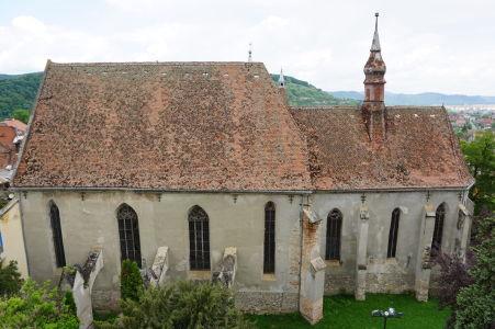 Kláštorný kostol pri pohľade z Veže s hodinami