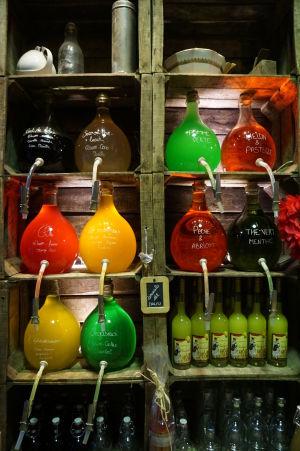 Pastis - typický francúzsky likér