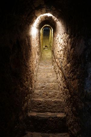 Tajná chodba spájajúca prvé a tretie poschodie hradu