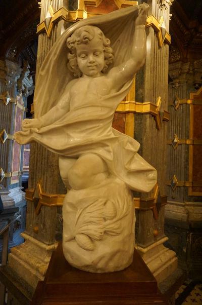 Soška Erosa z talianskeho mramoru