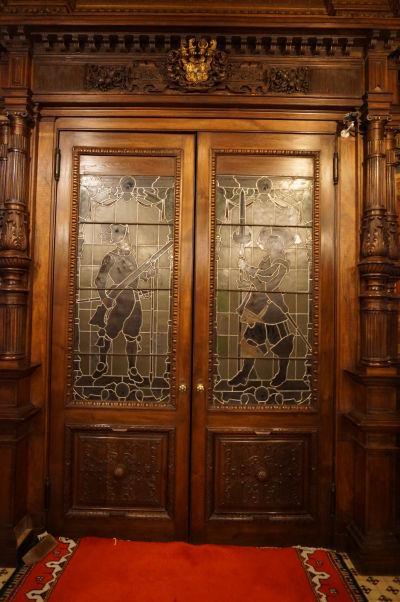 Dvere s vitrážou