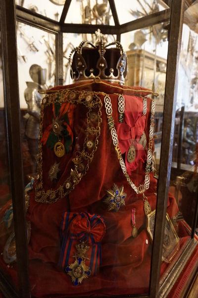 Kópia kráľovských klenotov na zámku Peleš