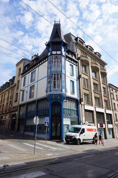 Budova v štýle Art Nouveau z roku 1901 na ulici Rue Saint-Jean v Nancy