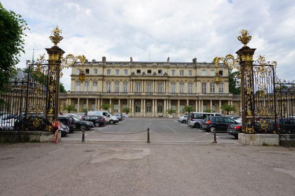 Vládny palác (Palais du Gouvernement) na námestí Place de la Carrière v Nancy