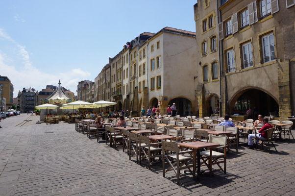 Námestie sv. Ľudovíta (Place Saint-Louis) v Metz