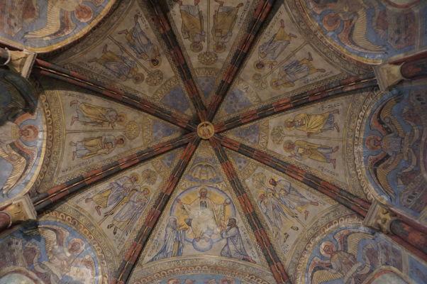 Kaplnka Templárov v Metz z 12. storočia - strop je pokrytý freskami