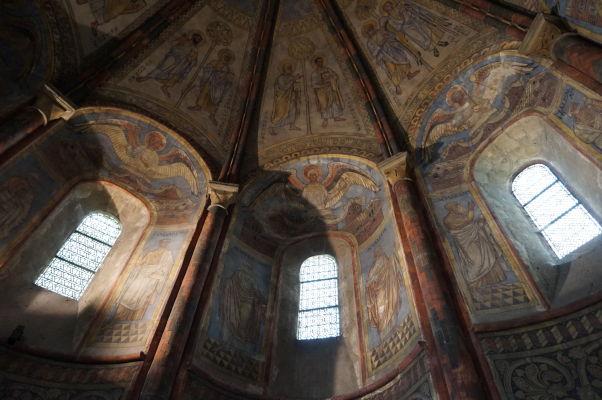 Kaplnka Templárov v Metz z 12. storočia - interiér je pokrytý freskami