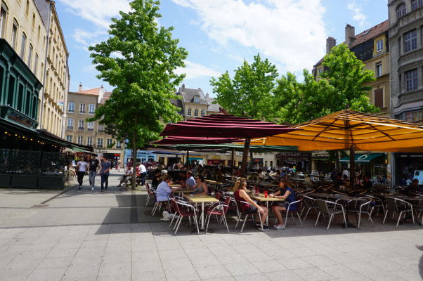 Námestie sv. Jakuba (Place Saint-Jacques) v Metz