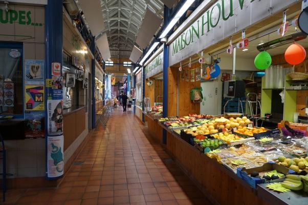 Krytá tržnica (Marché Couvert) s jedlom v Metz