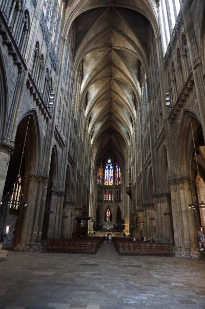 Neskutočne vysoká hlavná loď Katedrály sv. Štefana v Metz (Cathédrale Saint Étienne de Metz)