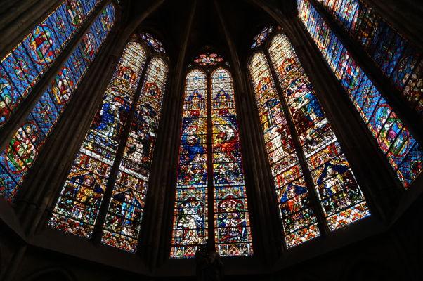 Farebné vitrážové okná Katedrály sv. Štefana v Metz (Cathédrale Saint Étienne de Metz)