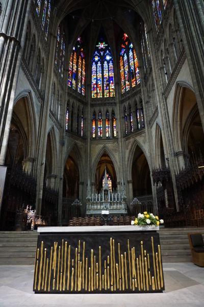 Hlavný oltár Katedrály sv. Štefana v Metz (Cathédrale Saint Étienne de Metz)