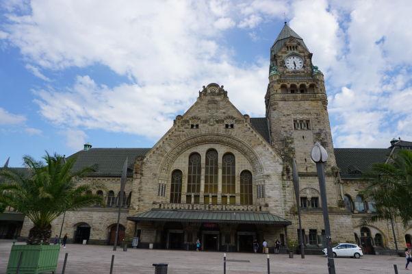 Hlavná vlaková stanica v Metz z obdobia imperiálneho Nemecka
