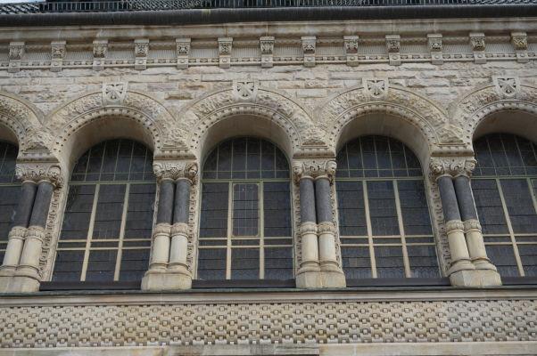 Detail fasády vlakovej stanice v Metz
