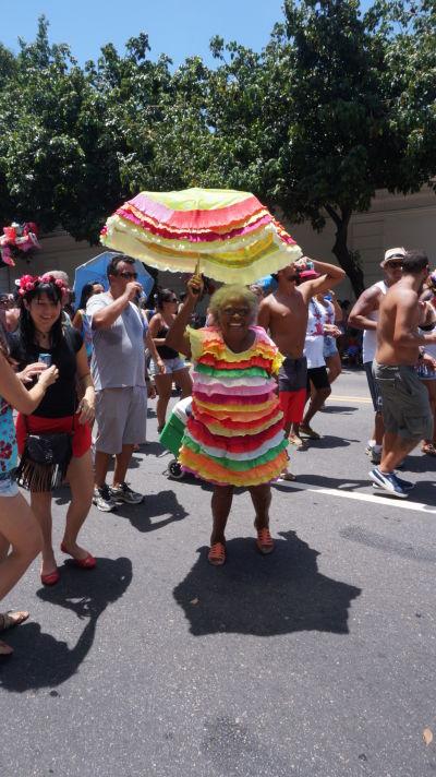 Na karnavale v Riu sa bavia ľudia každého veku