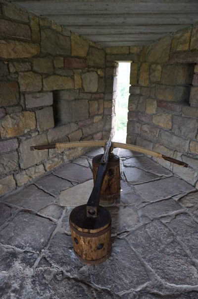 Dobové zbrane v pevnosti Carevec vo Velikom Tarnove