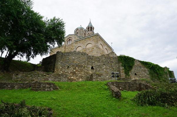 Patriarchálna katedrála Božieho nanebovstúpenia na kopci Carevec vo Velikom Tarnove