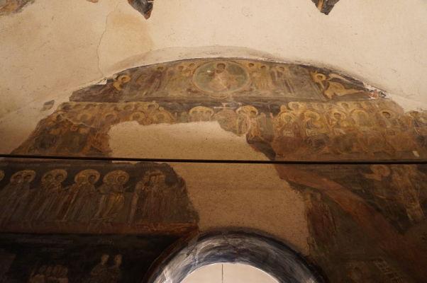 Zvyšky zachovaných fresiek v Kostole sv. Juraja vo Velikom Tarnove - zrejme vyobrazenie Posledného súdu