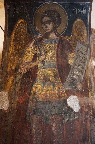 Zvyšky zachovaných fresiek v Kostole sv. Juraja vo Velikom Tarnove - archanjel Michal