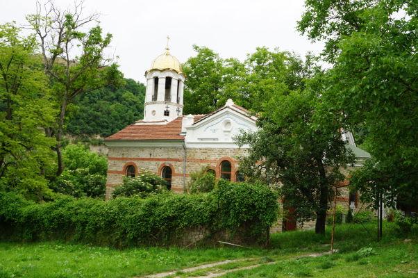 Jeden z mnohých kostolov vo Velikom Tarnove - Kostol Nanebovstúpenia Panny Márie