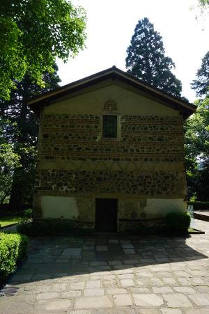 Hlavný vchod do Boyanského kostolíka