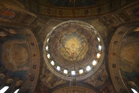 Hlavná kupola katedrály - Čo poviete na antropomorfnú reprezentáciu boha?