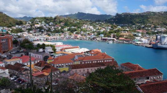Zátoka v St. George\'s - Hlavnom meste Grenady