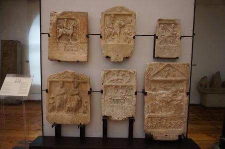 Rímske náhrobné kamene (stelae) - Národné múzeum archeológie v Sofii