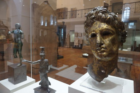 Bronzová maska - Národné múzeum archeológie v Sofii