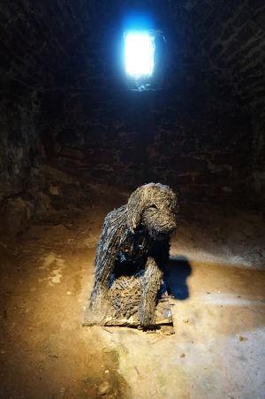 Čierny pes, ktorého duch podľa legendy straší na hrade v Peeli
