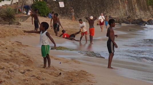 Pláž v zálive Indian Bay je využívaná najmä domácimi