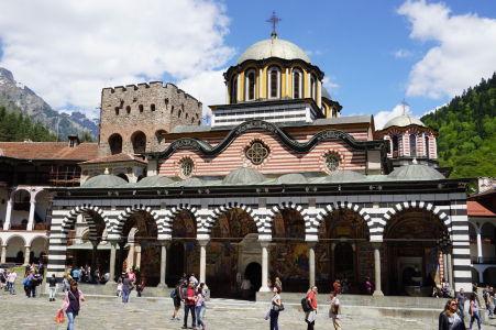 Hlavný kostol na nádvorí kláštora v Rile