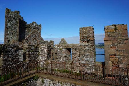 Hradby hradu v Peeli