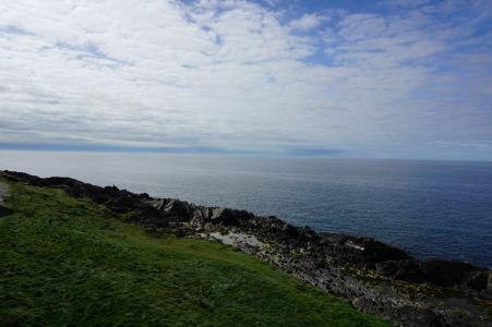 Výhľad na pobrežie ostrova Man z hradu Peel