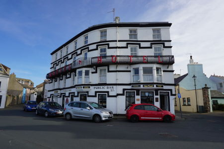 Uličky Peelu - jeden z hotelov v meste