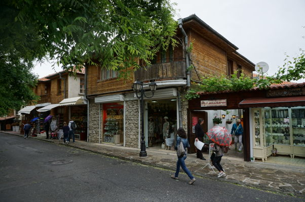 Obchodíky v uličkách Nesebaru