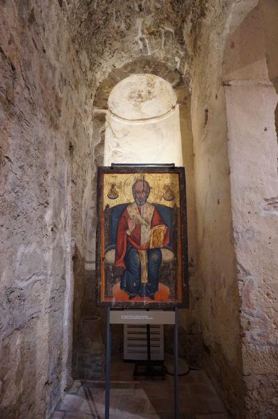 Ikona sv. Mikuláša na tróne z 18. storočia - Kostol Jána Krstiteľa v Nesebare