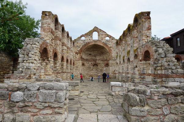 Ruiny Kostola sv. Sofie (Starej katedrály) v Nesebare