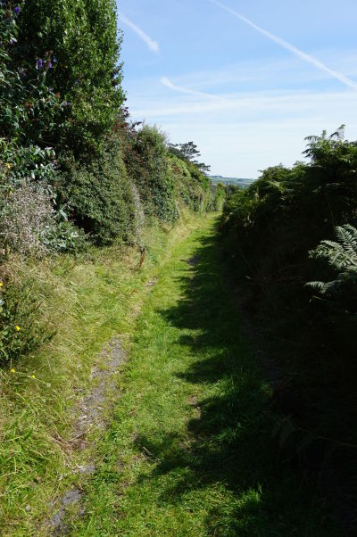 Cestička na Bradda Head k Milnerovej veži na ostrove Man