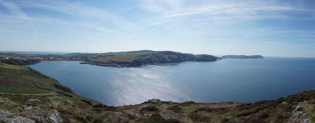 Záliv Port Erin pri pohľade z Milnerovej veže na ostrove Man