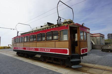 Vagón horskej železnice na Snaefelli, najvyššom kopci ostrova Man