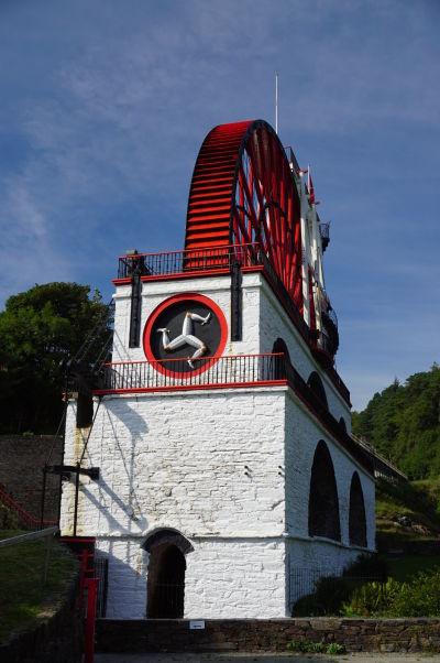Najväčšie vodné kolo sveta Lady Isabella v Laxey na ostrove Man - v čele národný symbol ostrova