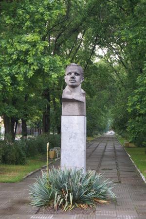 Busta Jurija Gagarina na bulvári rovnakého mena