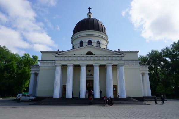 Kišiňovská katedrála uprostred Katedrálneho parku