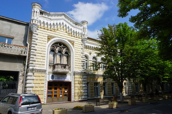 V uliciach Kišiňova nájdete sovietsku i klasickú architektúru
