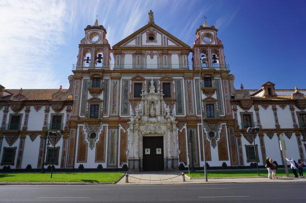 Kostol Panny Márie Milosti (Iglesia de Nuestra Señora de la Merced) v Córdobe - Barokový chrám z 18. storočia, ktorý je súčasťou budovy Palacio de la Merced, bývalého kláštora