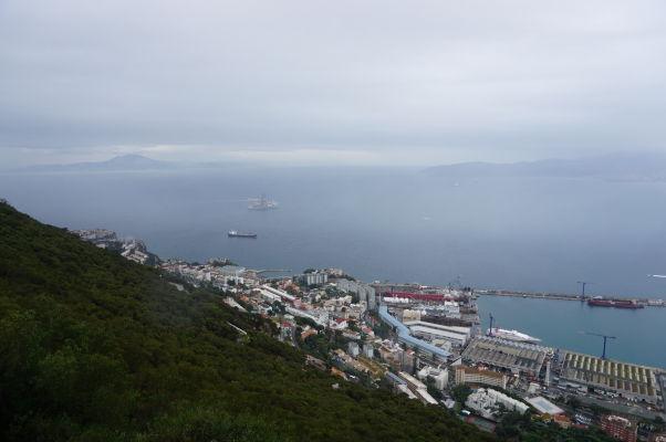 Pohľad na Gibraltársky záliv zo Skaly
