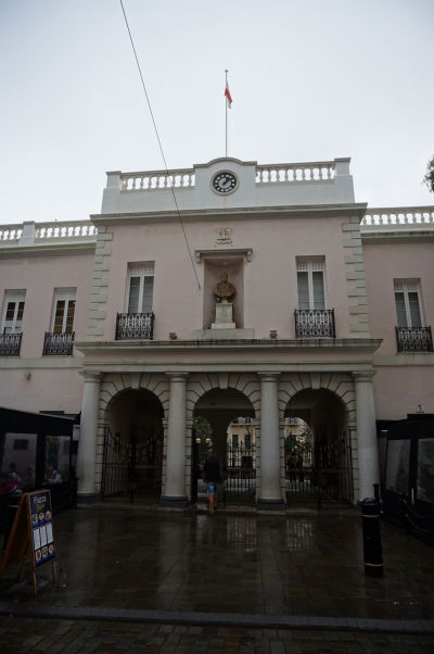 John Mackintosh Hall - kultúrne centrum Gibraltáru s verejnou knižnicou, divadlom a konferenčnou sálou